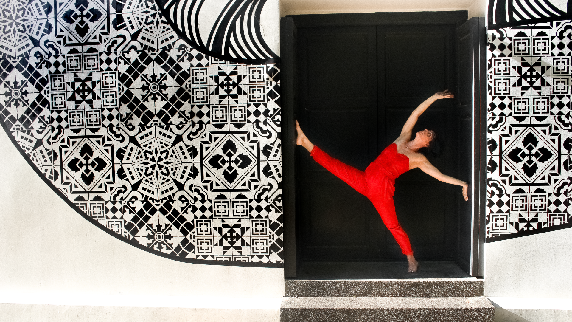 empower with yoga by manale ganiere